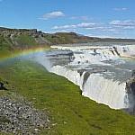 De 'gouden waterval' Gullfoss is één van de meest indrukwekkende watervallen van IJsland en onderdeel van de Golden Circle.